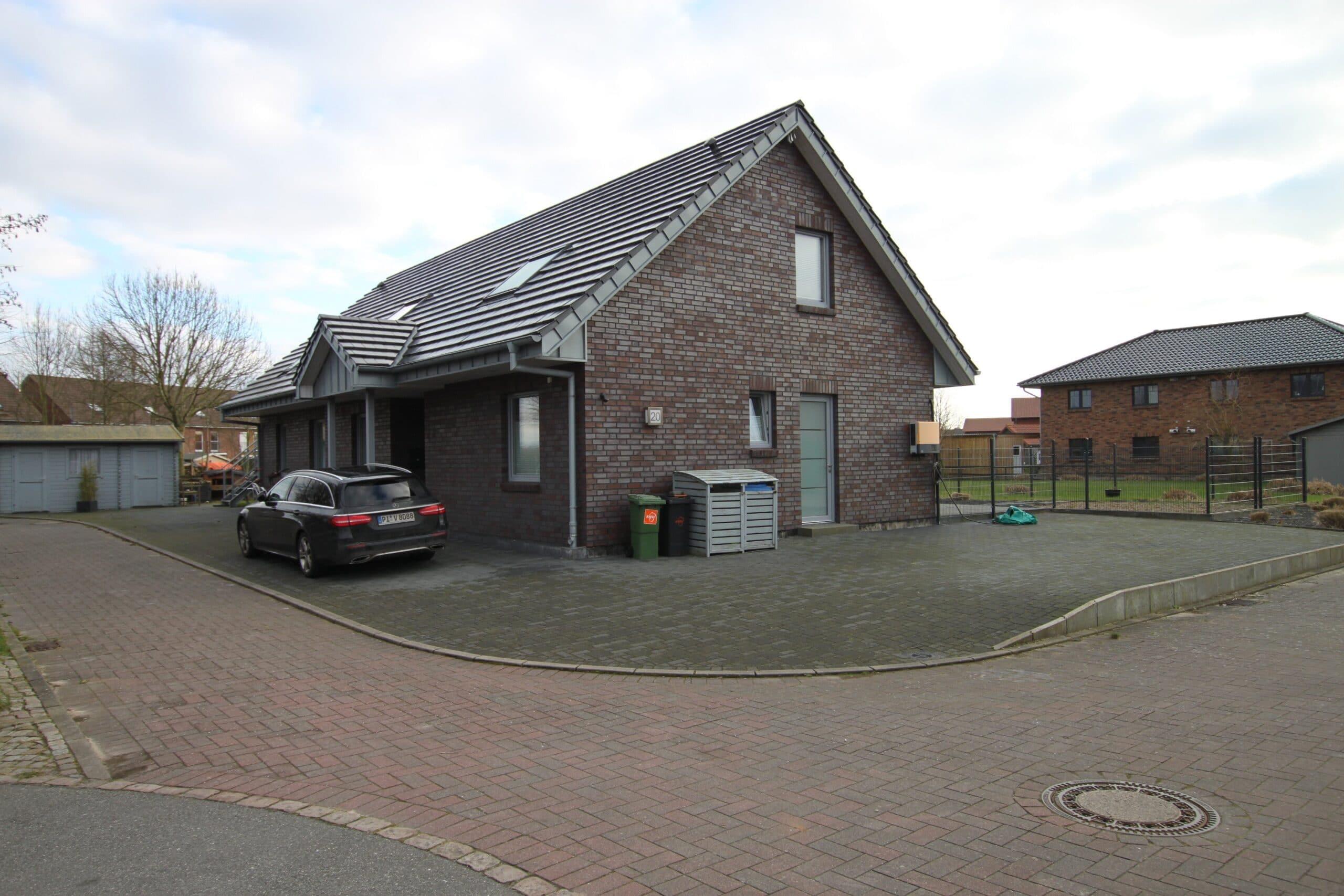 Büsum – modernes 2-FH mit 219m² Wohnfläche auf Eigenland