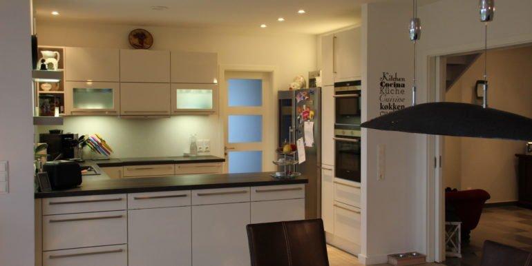Küche, Essbereich und Flureingang