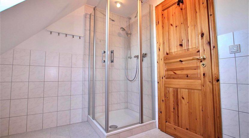 Badezimmer oben 2