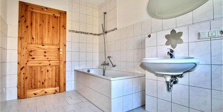 Badezimmer unten 2